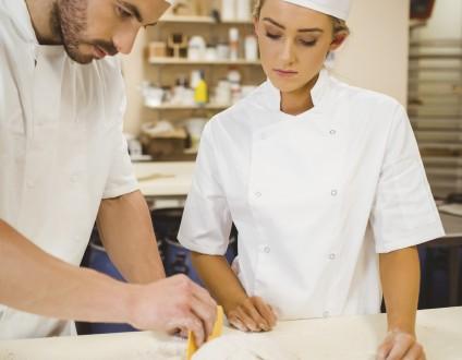 Apprentie cuisinière dans la fonction publique